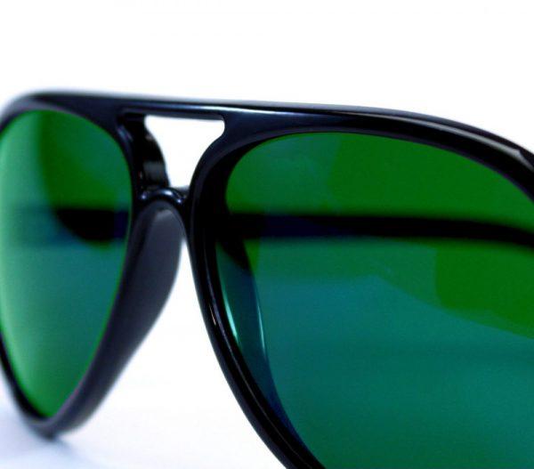 gafa de sol whitewake bandog black green detalle