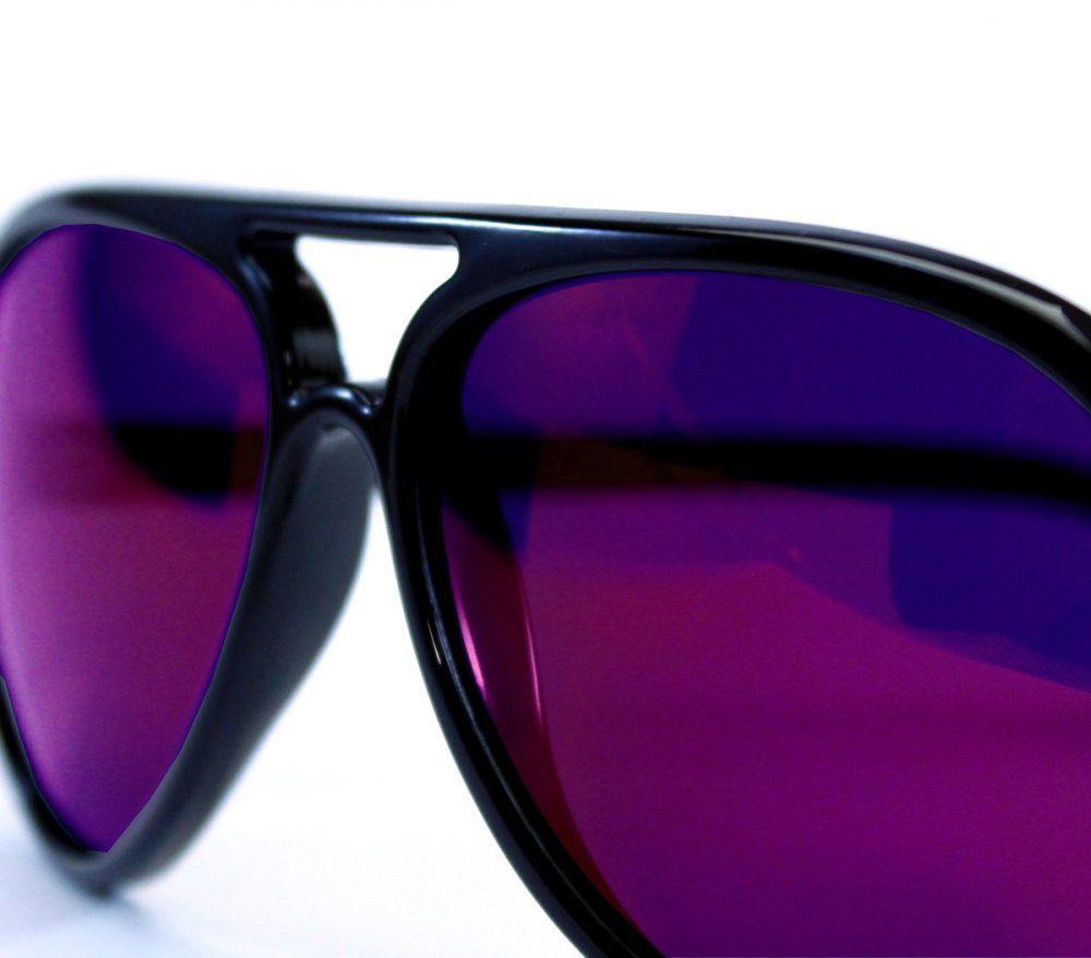 gafa de sol whitewake bandog black purple detalle